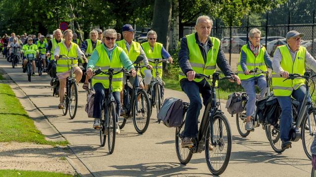 Meer dan 100 senioren genoten van (fiets)uitstap naar Pakawi Park